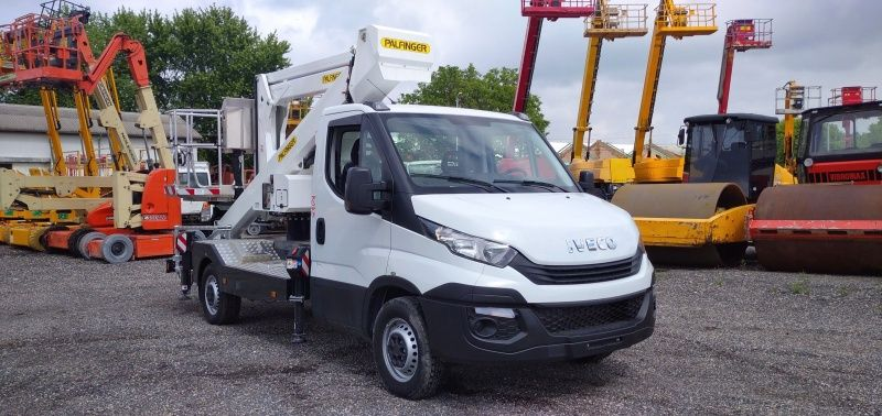 Iveco Daily Palfinger P200AXE